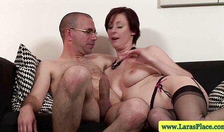 De nepbaard duwt de 10 inch penis uit in de gratis sexfilms vagina gezalfde манду hudyški