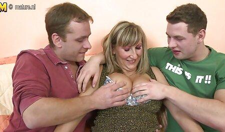 Jonge grappenmakers hebben de Russische brunette in Gloryhole behendigd. gratis sex film met dieren